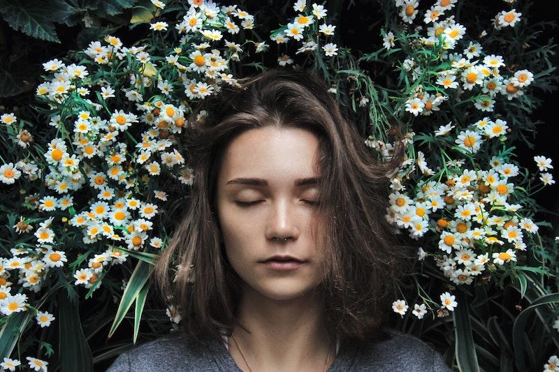 sleeping-girl-in-flowers.jpg